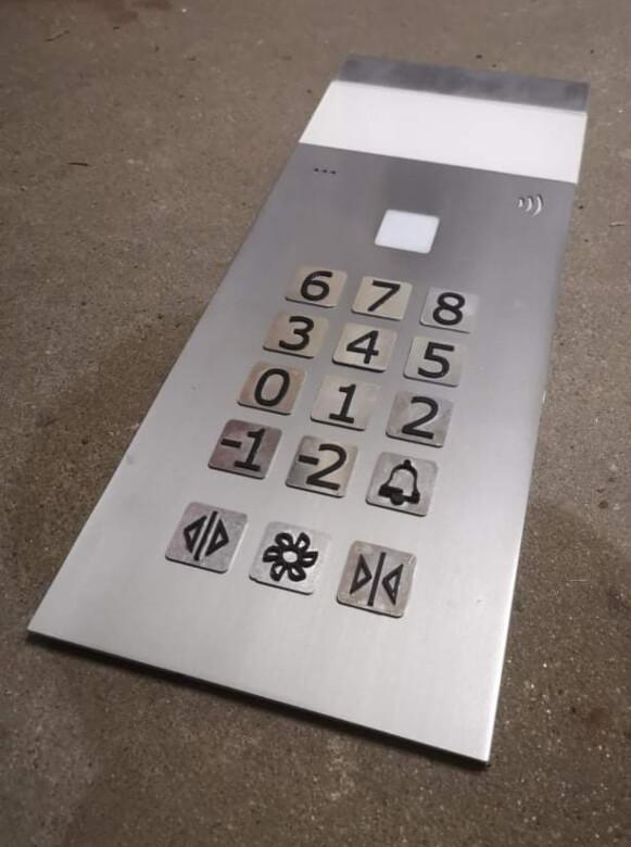 elevator-button-panel-prop-setfactory