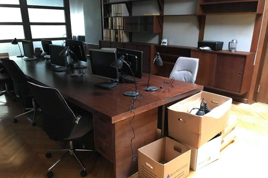 fifties-furniture-desks-cabinet-agent-hamilton-setfactory