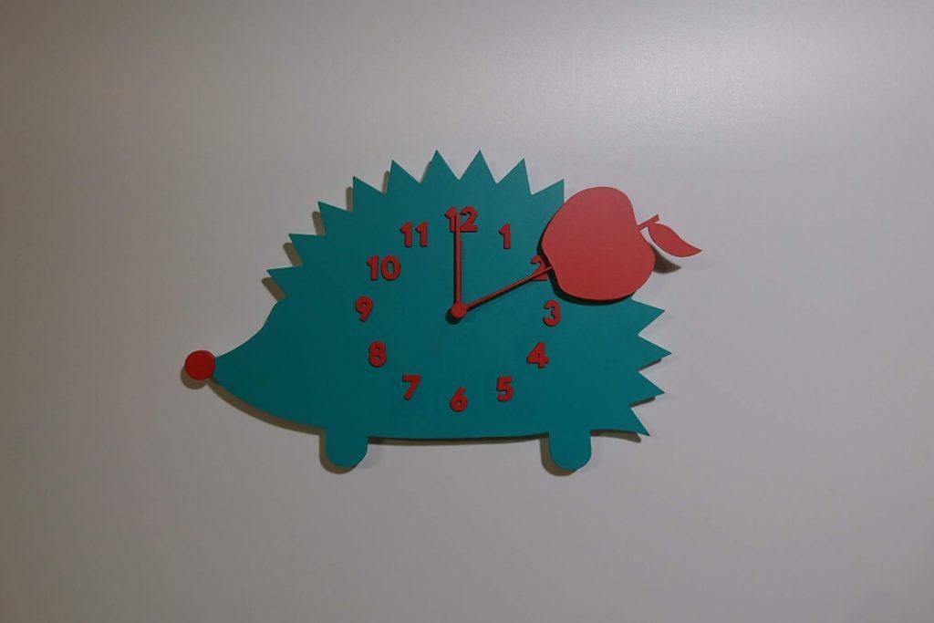 hedgehog-clock-mowing-arrows-props-ezys-setfactory