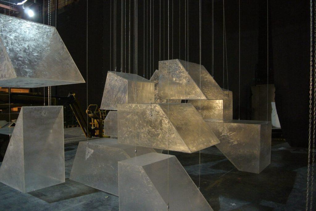 iced-floating-logo-kalnapilis-setfactory
