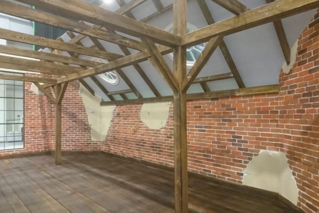 warehouse-wooden-floor-rafters-walls-skylight-windows-filming-set-tokmanni-setfactory