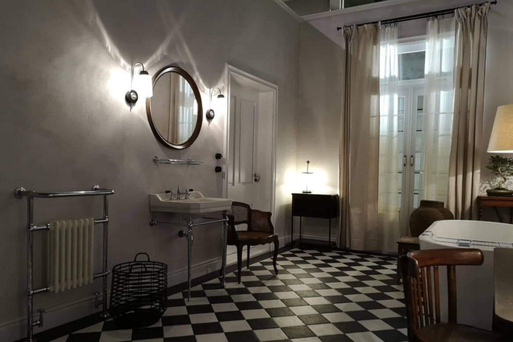 waterproof-bathroom-set-mercedes-setfactory